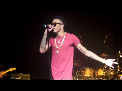 August Alsina Brings his Mom on Stage/Make it Home Texas Southern Homecoming 10/24