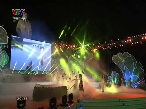 Đêm nghe hát đò đưa nhớ Bác   Phạm Phương Thảo   Lễ hội làng sen 2015