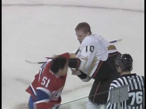 Corey Perry vs Francis Bouillon Oct 25, 2008