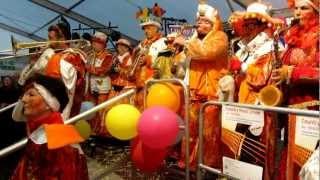 ZürichCarneval 2013: Auftritt der Türmlischränzer (Wettswil) Resimi