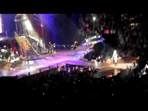Taylor Swift Sparks Fly (live in Atlanta)