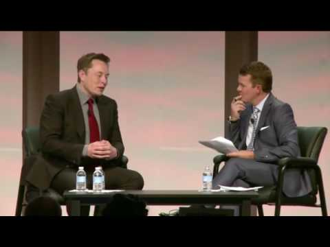 Conversation with Elon Musk in Detroit on electric cars and rock bottom oil prices