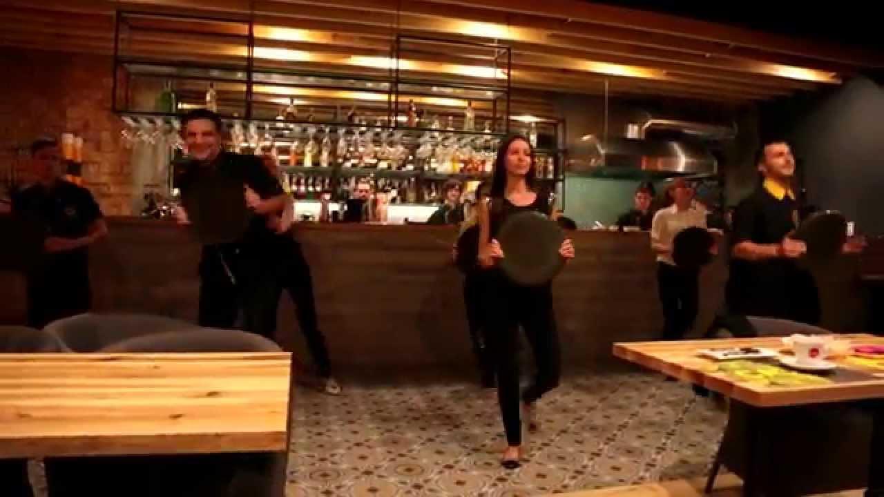 CASTA  DANCE FLASH MOB