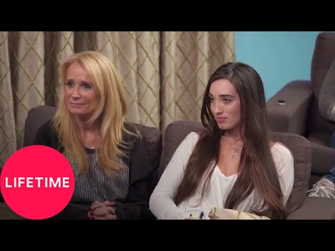 The Mother/Daughter Experiment: Kim Richards and Kimberly Jackson Open Up in Therapy | Lifetime