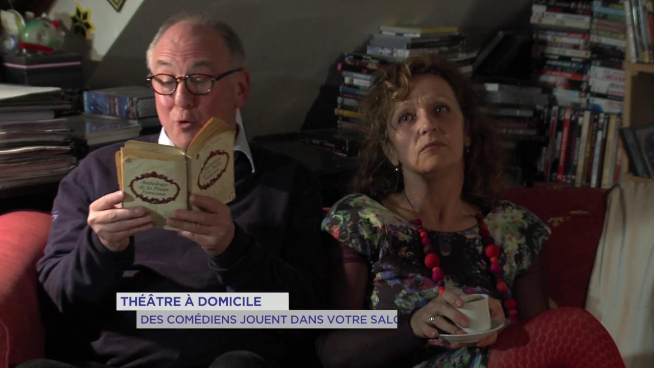 Théâtre à domicile : Des comédiens jouent dans votre salon