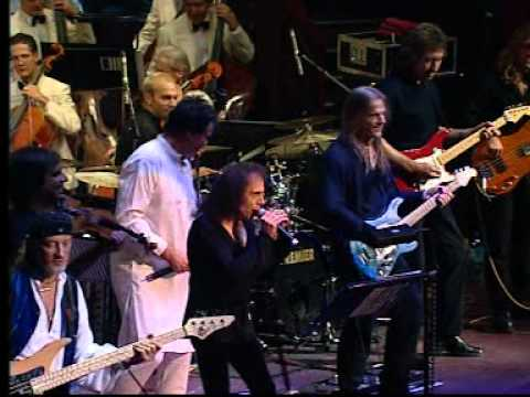 Deep Purple - Smoke On The Water (live with Ronnie James Dio).mpg