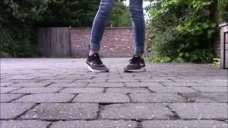|Konijnendans| |Footwork| |Cutting shapes| |Shuffle| Tutorial(Cutting shapes / London shuffle / House shuffle / konijnendans / footwork, whatever you want to call it. :) Just for fun! No hate please. :) TUTORIAL TUTORIAL ..., 2015-09-10T17:33:45.000Z)