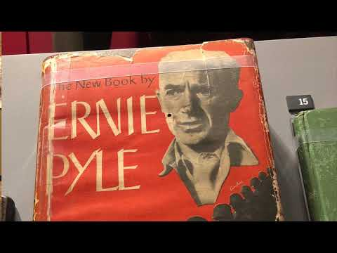 Ernie Pyle and Captain Henry Waskow
