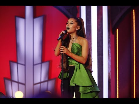 Ariana Grande - The wizard and I (Live at witcked 15 special)