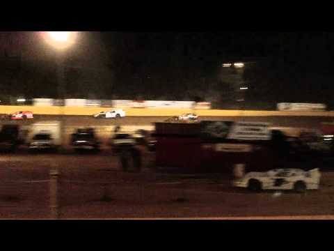 dustin duncan at lake cumberland speedway 4 14 12 heat race part1