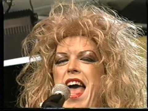 Lola Lee : Musica Musica / Doe hoofs mich nit te sage wie ich leave mot!!