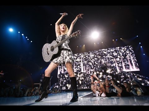 Taylor Swift  - Tell Me Why (Fearless Tour 2010)Audio