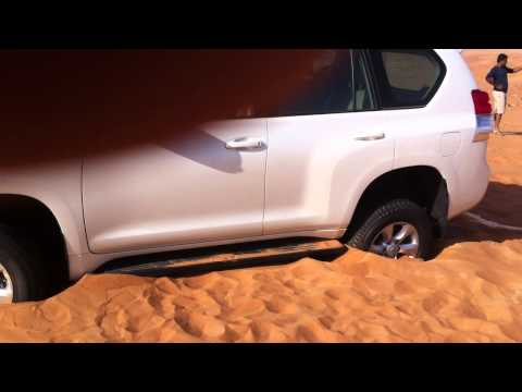 Arabian Offroad Academy - FJ Cruiser to the rescue of Prado