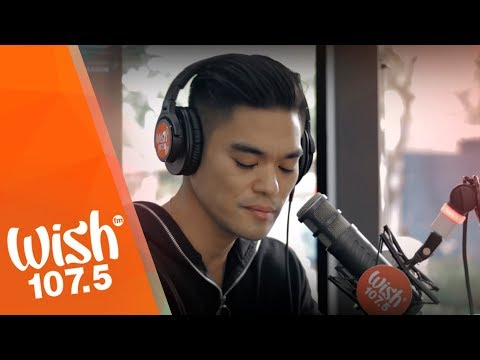 "Jay R performs ""Dito Lang Ako"" LIVE on Wish 107.5 Bus"