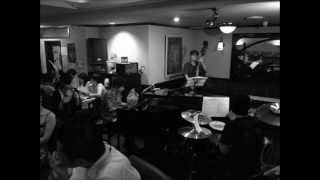 2012.4.29LIVE IN 天妃 P:兼島卓司 Bass:禿大蔵 Dr:砂川アキヒロ Voice...