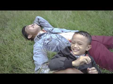 SOCIAL HITAM PUTIH - BERBAHAGIALAH (Official Music Video)