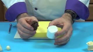 Making Chocolate Roses with Chef Alan Tetreault of Global Sgar Art