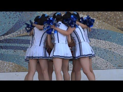 08High school girls cheer Dance