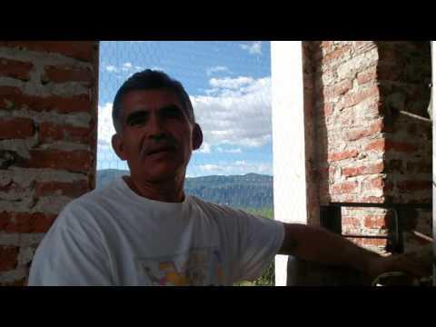 Repicando las campanas de la iglesia de San Miguel