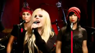 avril-lavigne---everything-back-but-you-live
