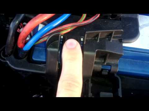 remove battery fusebox seat ibiza vw polo skoda fabia audi a1 skoda battery fuse  box