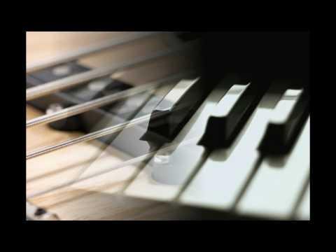 Christina Aguilera - Beautiful (Piano/Bass)