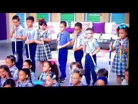 Estudiantes de la escuela Francisco Matias Lugo tocando
