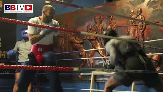 (FUNNY) UNSEEN JAB SPARRING FOOTAGE: WHO CAN LAND THE JAB FIRST. COLLYHURST AND MOSTON GYM
