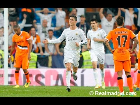 Cristiano Ronaldo's amazing backheel goal against Valencia (English Commentary)
