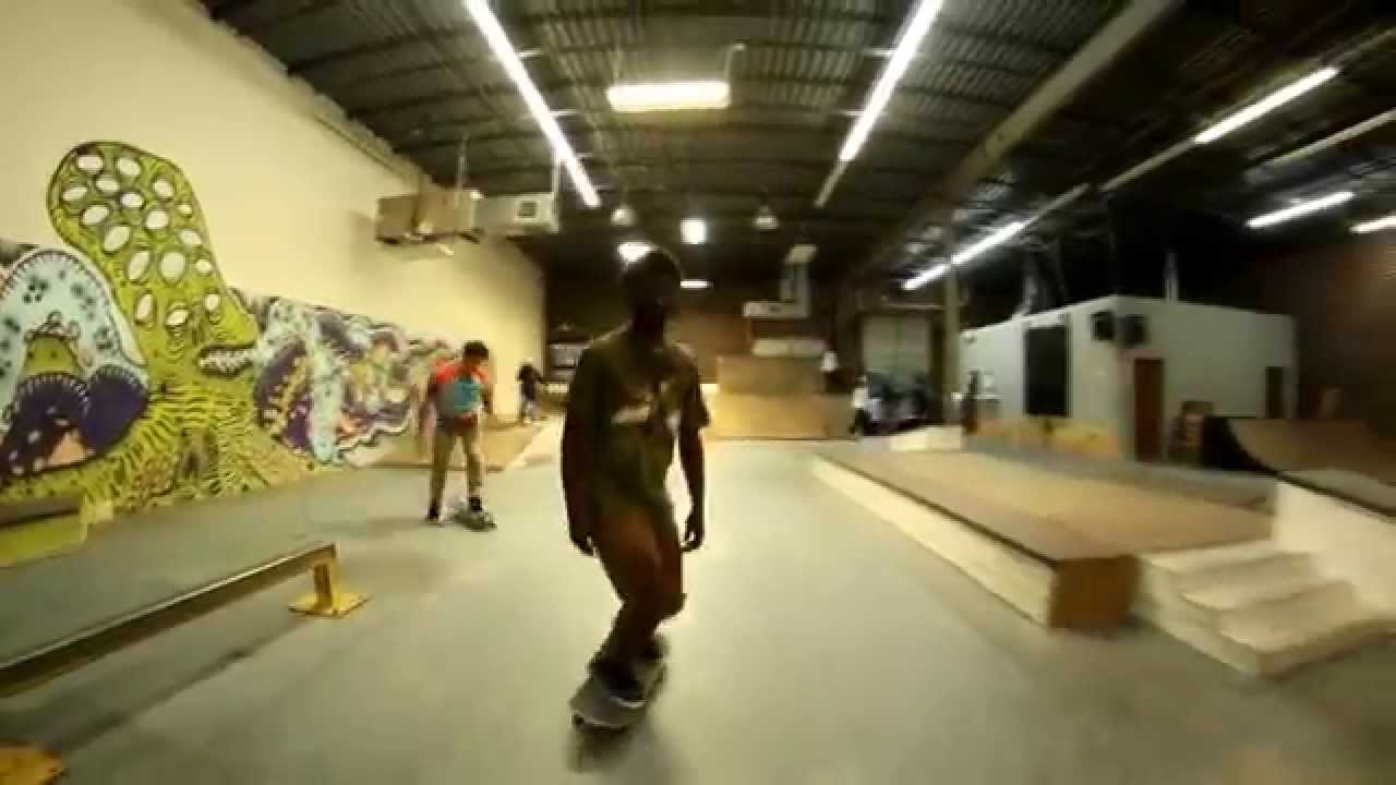 Saay Warehouse T 1 X Uno