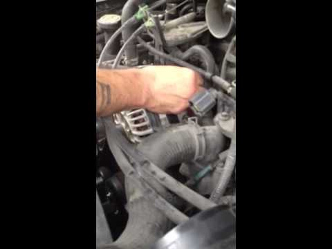 Fuse link replacement for Ford Expedition 2003 5 4 YouTube