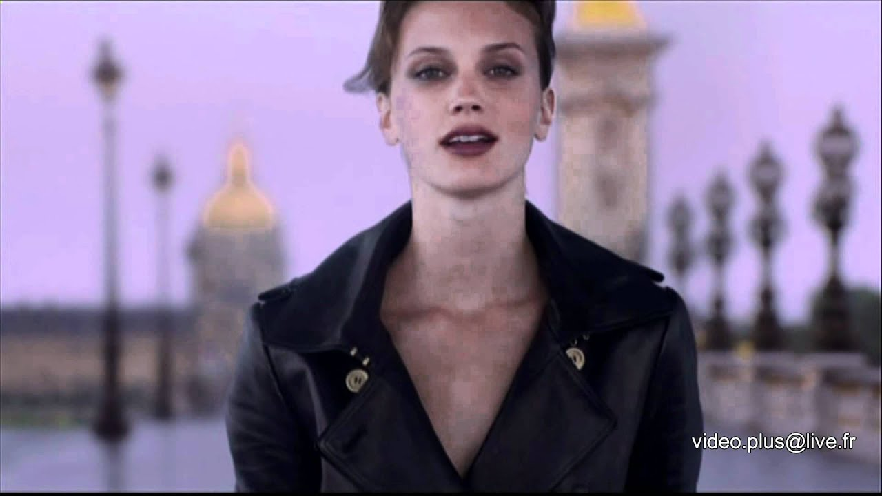 Pub parisienne d 39 yves saint laurent hd 1080 youtube for Miroir yves saint laurent