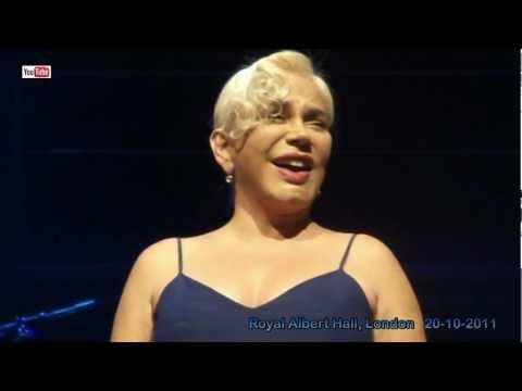 Sezen Aksu live - Geri Dön  (HD) - The Royal Albert Hall, London - 20-10-2011