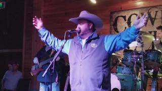 Daryle Singletary performing his last show on Saturday at Cowboys in Lafayette.