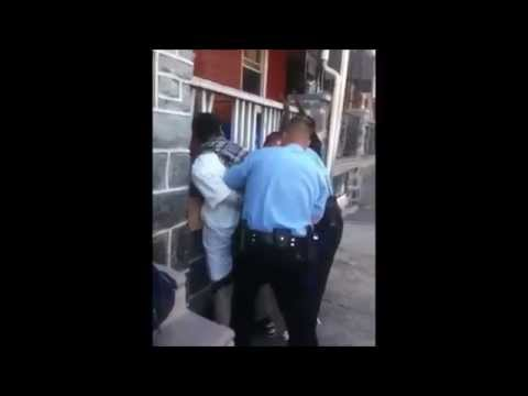 Philadelphia Police Punch Handcuffed Man in Face