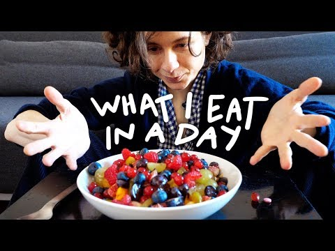 WHAT I EAT IN A DAY (végétal)   solangeteparle
