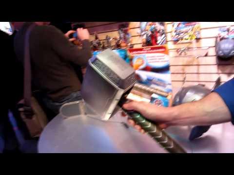 Hasbro Toy Fair 2011   Marvel Thor Deluxe Hammer Demonstration