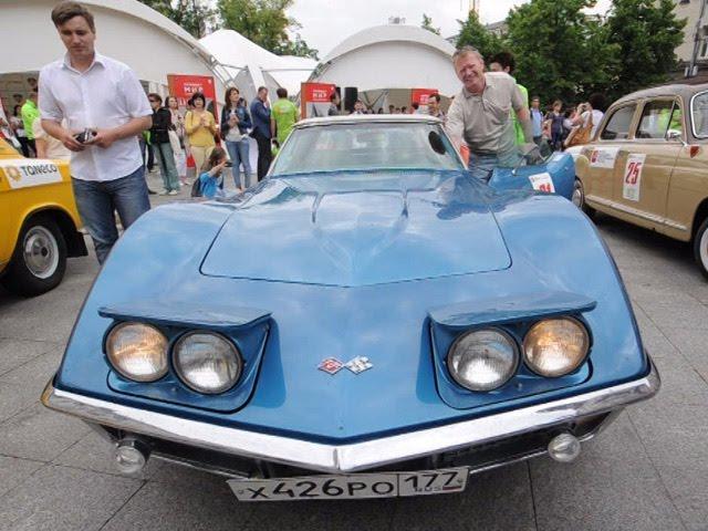 Парад ретро автомобилей в Москве