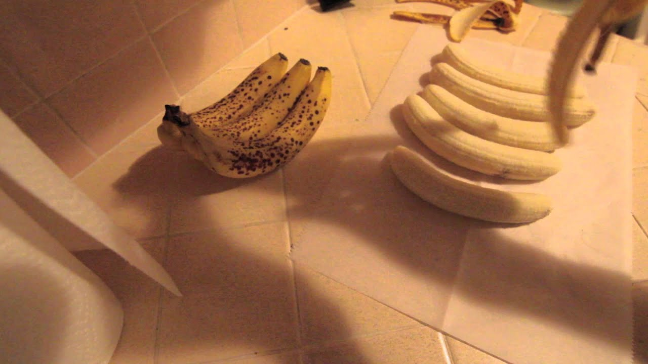 How to freeze bananas the RIGHT way.