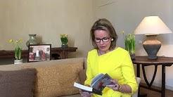 Confinement en Belgique: la reine Mathilde encourage les jeunes à lire davantage (vidéo)