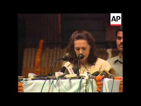 INDIA: SONIA GANDHI RETURNS TO LEAD CONGRESS PARTY