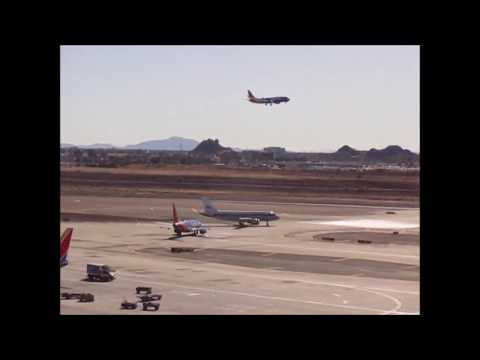 Phoenix Sky Harbor Airport PLANE SPOTTING -- 1+ HOUR -- 25R and 25L operations