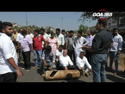 Local block Margao road after drilling breaks water pipeline