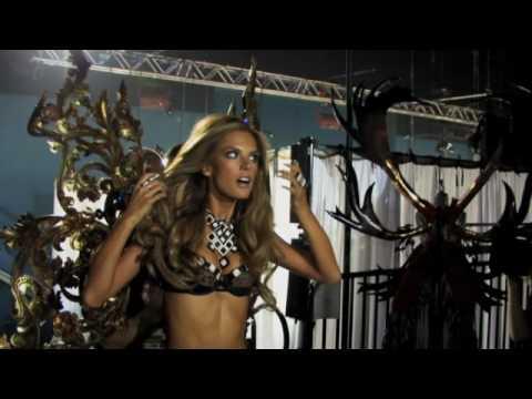 Victoria's Secret Fashion Show 2009 - Alessandra Ambrosio