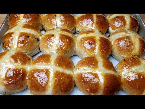 soft-hot-cross-buns-recipe---mama-boi's-kitchen