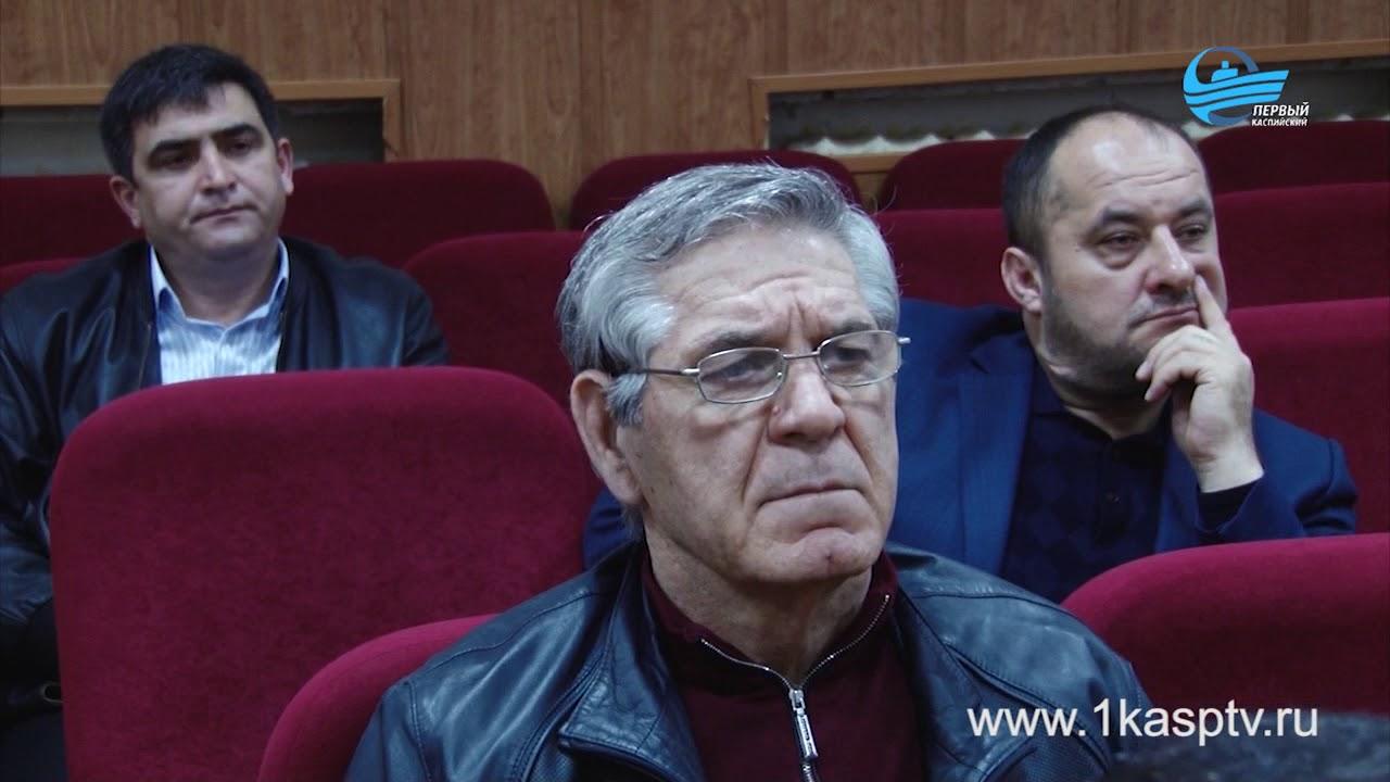 Рамазан Алиев провел совещание по вопросу легализации предпринимательской деятельности с бизнесменами Каспийска
