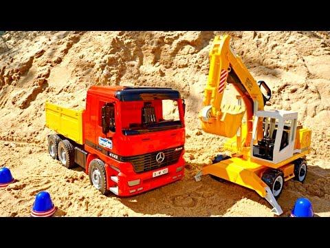 Машинки Игрушки - Игры для детей: Экскаватор и Самосвал работают. Игры в песке!