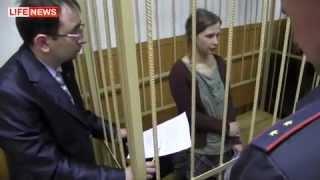 Pussy Riot.  Две участницы арестованы до конца апреля.