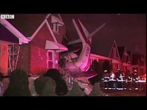 BBC News: Plane crashes into Chicago house killing pilot 18/11/2014