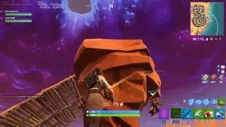 Default skin scared af (he jump off the map)